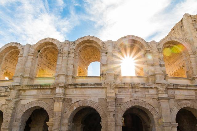Tour Arles et Alpilles